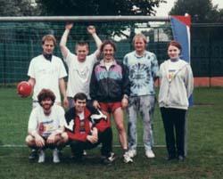 "Das ""Cuba-Solidaritäts-Team"" beim Fußballturnier der Kölner Jusos im Juli 1998"