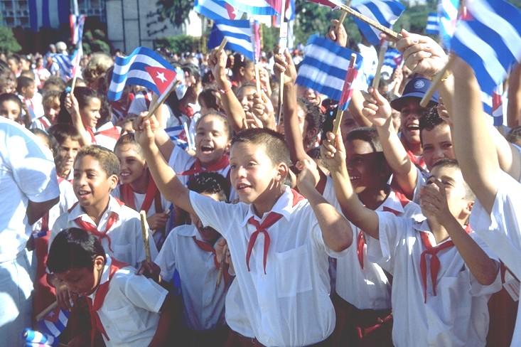 Cubanische Schulkinder, Sept. 2003 (Foto: Matthias Wirtz)